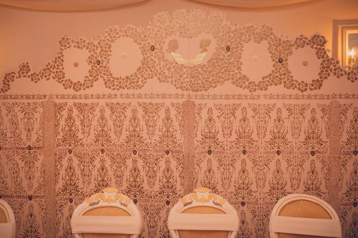 Romantic Victorian Wedding  Hand-painted Victorian pannel Photo Credits: Vlad Gherman Photography
