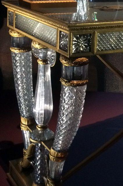 les 234 meilleures images du tableau verre et cristal sur pinterest boutons verre et art. Black Bedroom Furniture Sets. Home Design Ideas