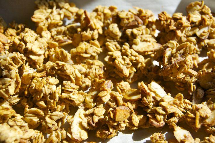 banana nut granola (vegan) | Eat it | Pinterest | Banana Nut, Granola ...