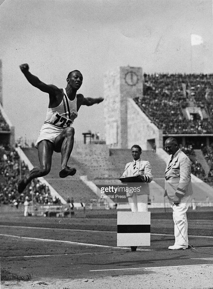 Jesse Owens dies on this day, aged 66 Pictures