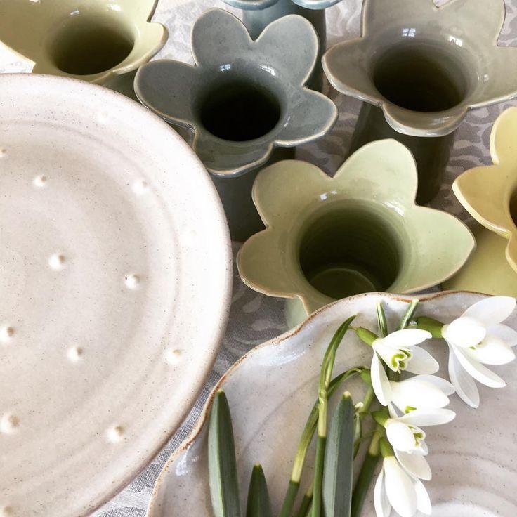 "50 mentions J'aime, 1 commentaires - Marianne Karlsson (@lergrejeri) sur Instagram: ""Vår i keramiken!#lergrejer #keramik #ceramics #stengods #stoneware #konsthantverk #handgjort…"""