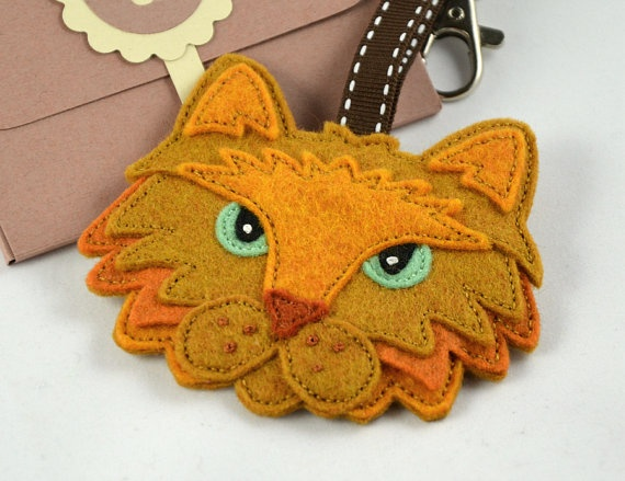 Cat Bag Charm / Keychain / Keyring / by CreaturesInStitches, £15.00