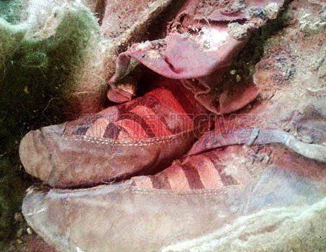 Древняя мумия в кроссовках  На Алтае в Монголии археологи нашли мумию женщины. Одно обстоятельство ввело ученых в замешательство. Внимание привлекла обувь усопшей, напоминавшая ни много ни мало кроссовки Adidas  #Древняя_мумия #древняя_обувь #Алтай #Монголия #кроссовки #путешественники_во_времени #тюркское_захоронение #археология  http://ancientcivs.ru/ancient_mummy