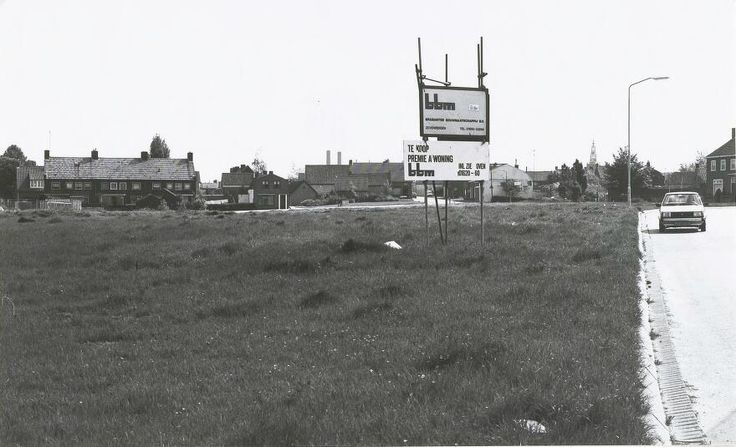Hier tussen de Kristallaan en de Kerkhofweg werden hoofdzakelijk woningen gebouwd 1985