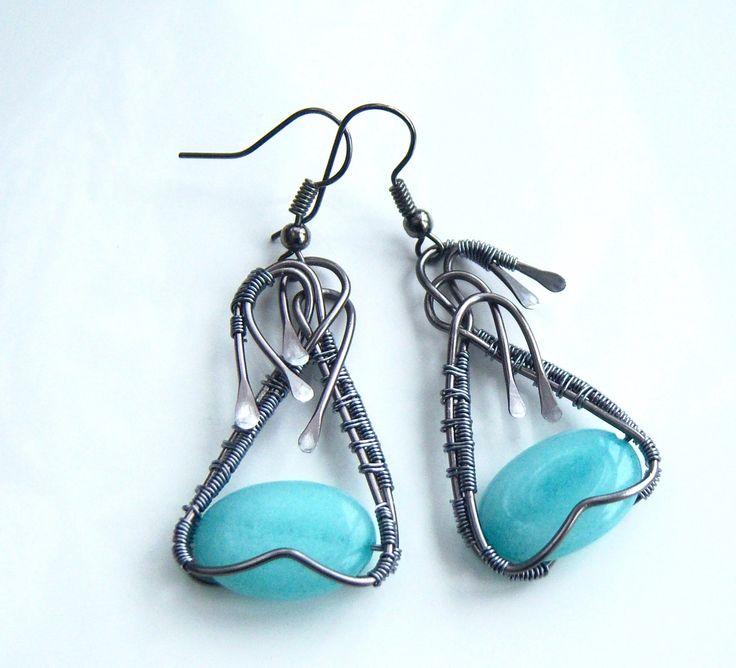 Boucles d'oreille wire wrap avec une belle perle plate en amazonite : Boucles d'oreille par adrimag