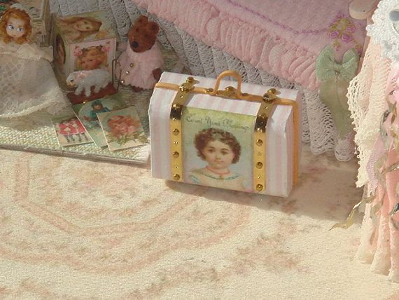 Dollhouse Shabby Children Suitcase. 1:12 by ANABELAMINIATURES