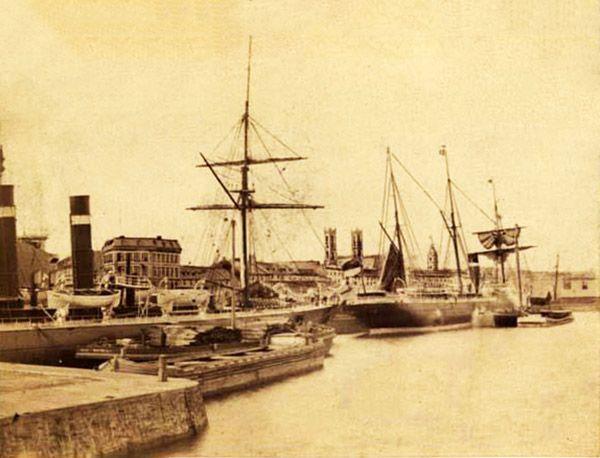 Photographie du port de Montréal en 1886 à partir du bassin Windmill point.