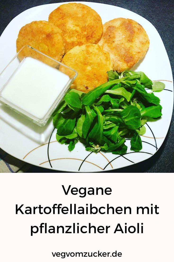 Kennst du schon dieses geniale Rezept für vegane Kartoffellaibchen mit pflanzlicher Aioli? Nein? Dann aber Hopp Hopp! :-)