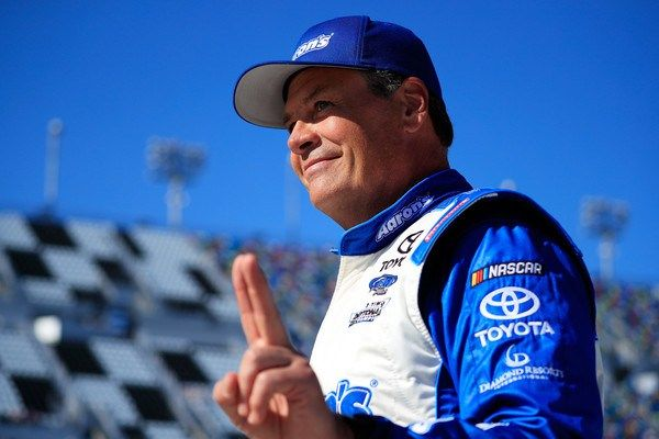 Michael Waltrip didn't have the fastest car in Sunday's Daytona 500, but he managed to avoid the prolific multicar wrecks that peppered the first 150 laps of the race. And when he took the checkere…