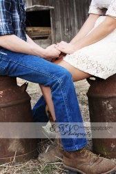 country engagement pictures with horses and old barns. <3