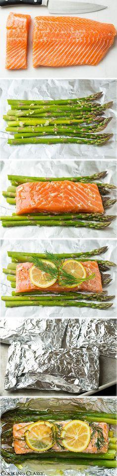 4 (6 oz) de salmón sin piel, filetes sin piel 1 libra de espárragos 1 Dill, Fresh 2 dientes de ajo 1 limón 1 Sal y pimienta recién molida negro 2 1/2 cucharadas de aceite de oliva