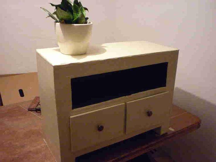 Möbel aus Pappe selber bauen