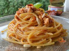 Italian Food ~ Spaghetti with pesto sauce of sun-dried tomatoes and tuna