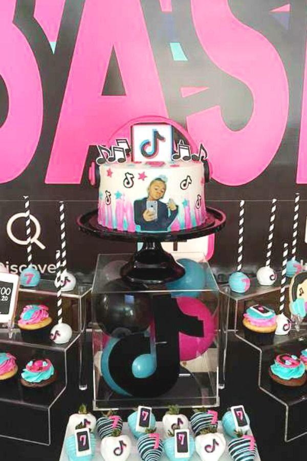 Tiktok Inspired Theme Birthday Party Ideas Photo 9 Of 27 Birthday Party Set 7th Birthday Party Ideas Frozen Birthday Party Cake