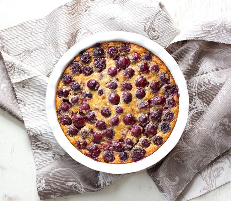 The Kiwi Cook | Cherry Clafoutis | http://thekiwicook.com
