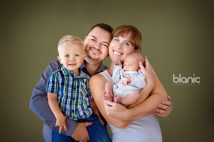 Sesja noworodkowa, sesja rodzinna, zdjęcia noworodkowe, fotografia noworodka, fotograf noworodkowy, sesja niemowlęca, zdjęcia niemowlaka