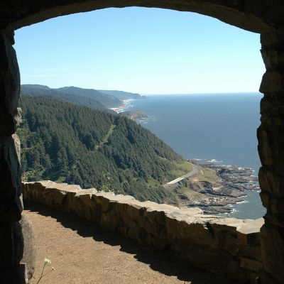 See the Oregon Coast on foot http://www.oregonlive.com/travel/index.ssf/2016/04/8_great_day_hikes_on_the_orego.html#0