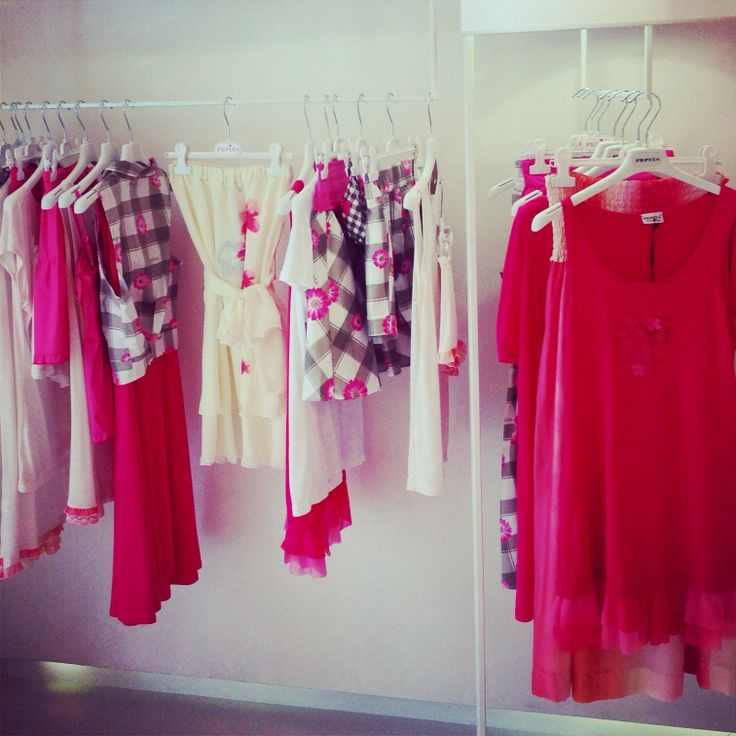 We are pink lovers  #pepita #fortedeimarmi #musthave #fluo #summer #beachwear