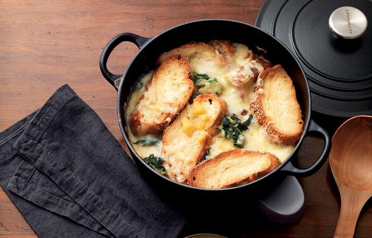 Ricetta Zuppa gratinata di pane al sesamo in brodo di cipolle - La Cucina Italiana: ricette, news, chef, storie in cucina