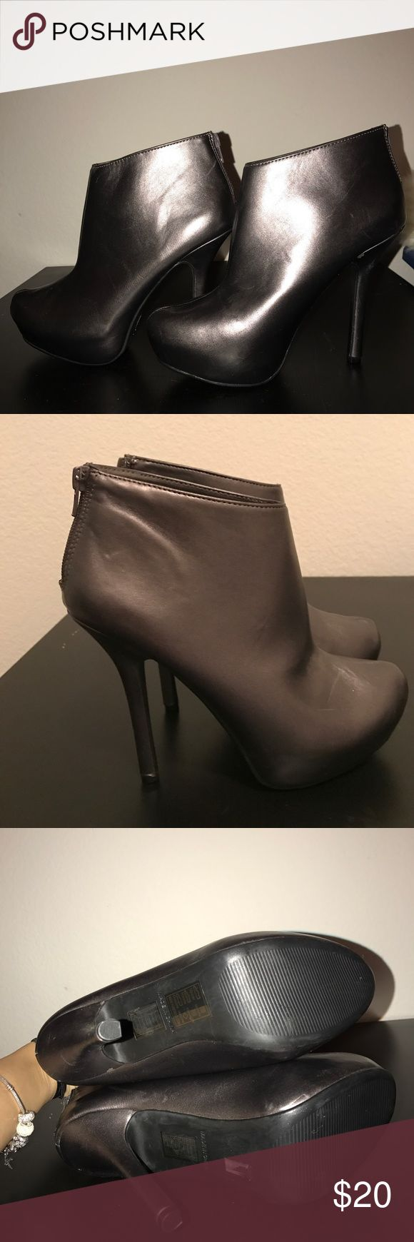 Grey metallic ankle boots New never worn heel is 5 inches high Forever 21 Shoes Ankle Boots & Booties