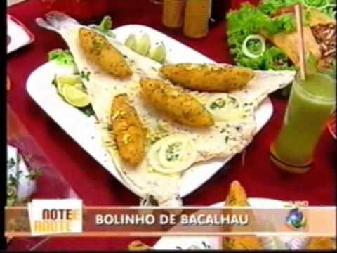Divino!!O melhor bolinho de bacalhau que já degustei A apresentadora atrapalha um pouco Mas pelo bolinho vale a pena