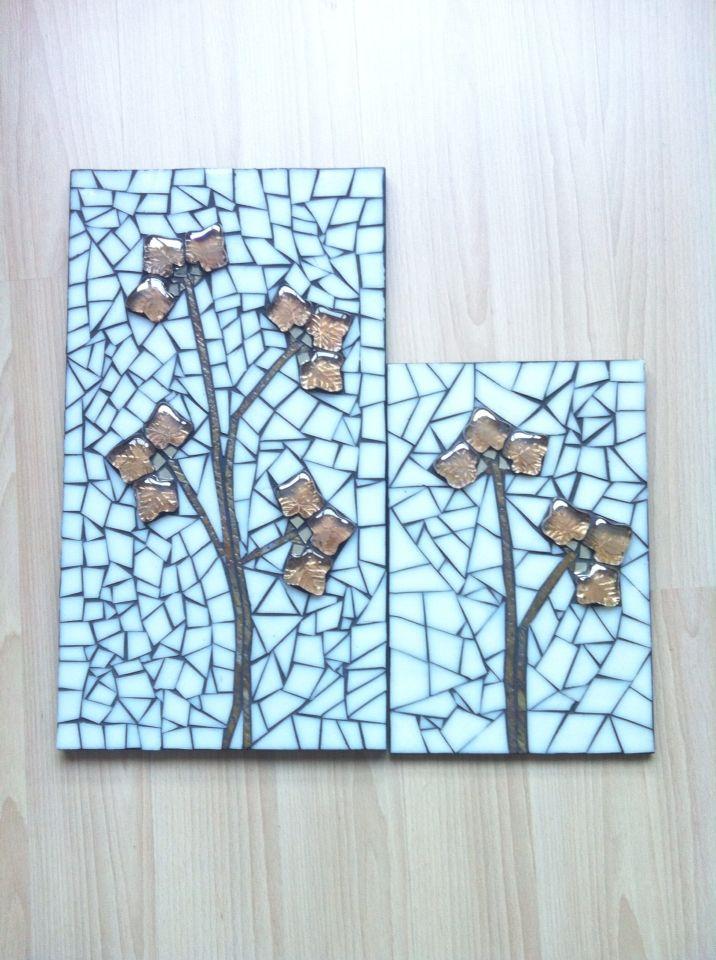 İki farklı boyutta cam obje kullanılarak serbest kesim mozaik duvar panosu by Hilal Taşcı Üğütgen