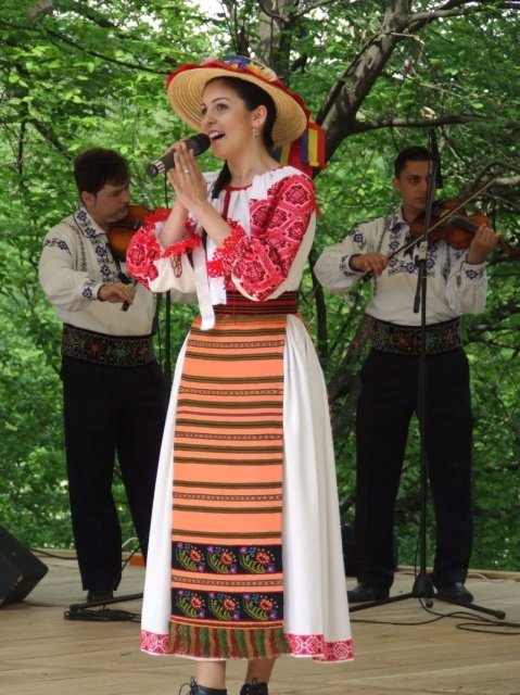 Romanian traditional dress: from the area of Bistrița-Năsăud in Transylvania, women's costume consists of an embroidered chemise and double apron.