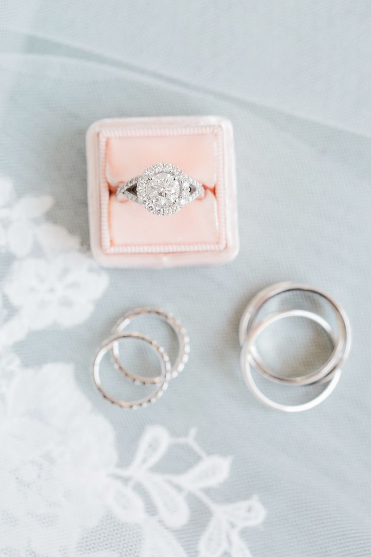 Engagement ring prettiness. Photography : Dyanna LaMora Read More on SMP: http://www.stylemepretty.com/new-jersey-weddings/2016/08/29/stylish-black-tie-ballroom-wedding/