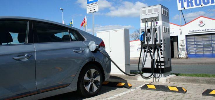 Elektroauto Ladestation Tankstelle