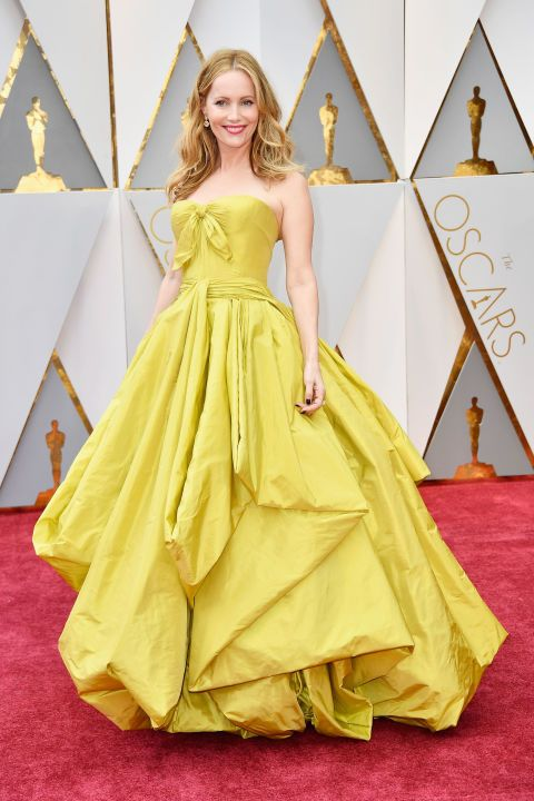 Leslie Mann Lemon Yellow Taffeta Celebrity Dresses for the 89th Academy Awards Oscar 2017 Red Carpet Celebrity Ball Gowns Pleats