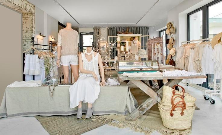 club monaco: Shops Design Display, Retail Display, Retail Design, Design Shops, Display Shops, Fashion Clubmonaco, Shops Designdisplay, Stores Display, Retail Fashion