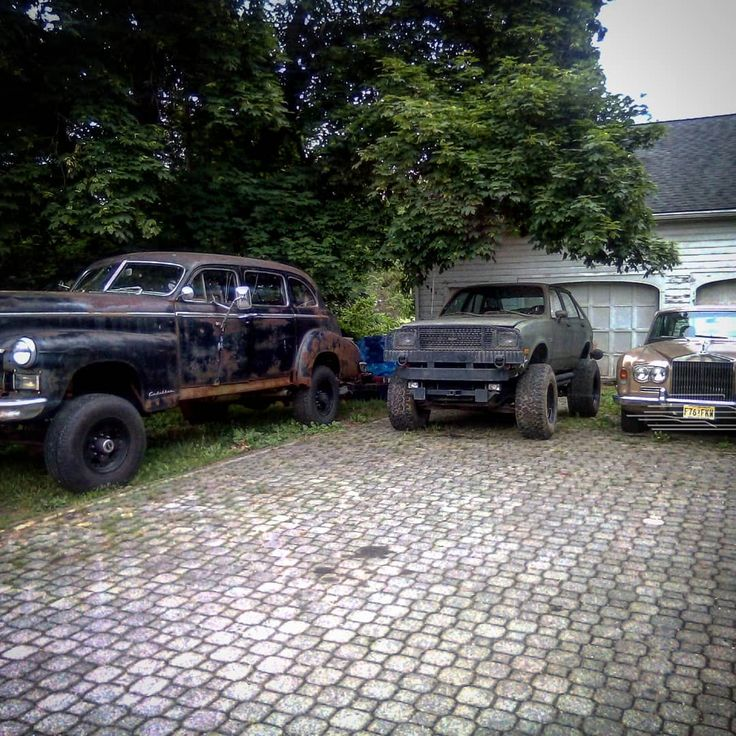 From left to right: 1949 Cadillac series 75 limousine on a 1972 Ford f350///Chev…