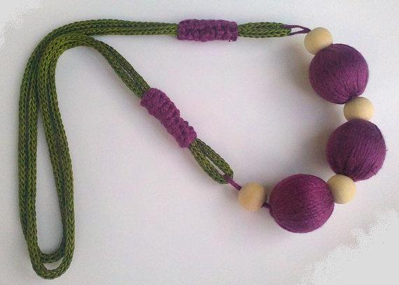 Collar de cord n tejido a mano y bolas borradas de hilo - Bolas de hilo ...