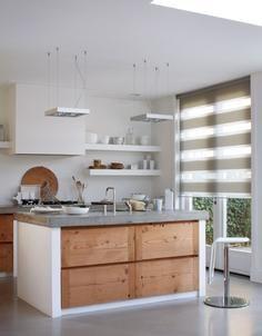 Voor een moderne #keuken. Het duo rolgordijn van Bece #raamdecoratie.  #kitchen