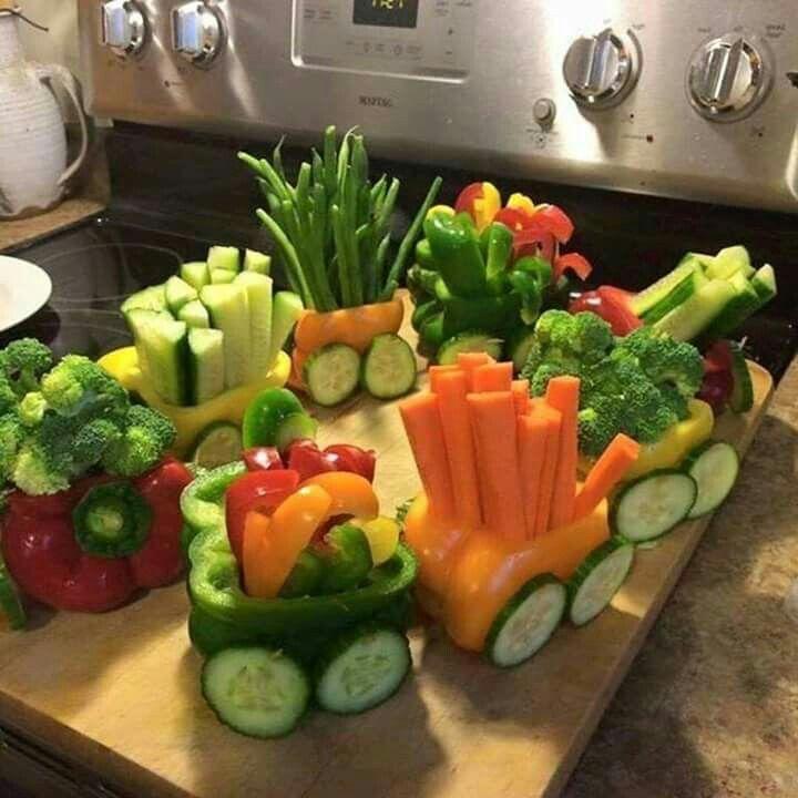 #dica #tip #inspiração #festaxdecor #festas #party #planejamentodeeventos #barradatijuca  https://www.facebook.com/FESTAXDECOR/  Um trem feito de legumes, mais colorido, saudável e diferente... IMPOSSÍVEL!