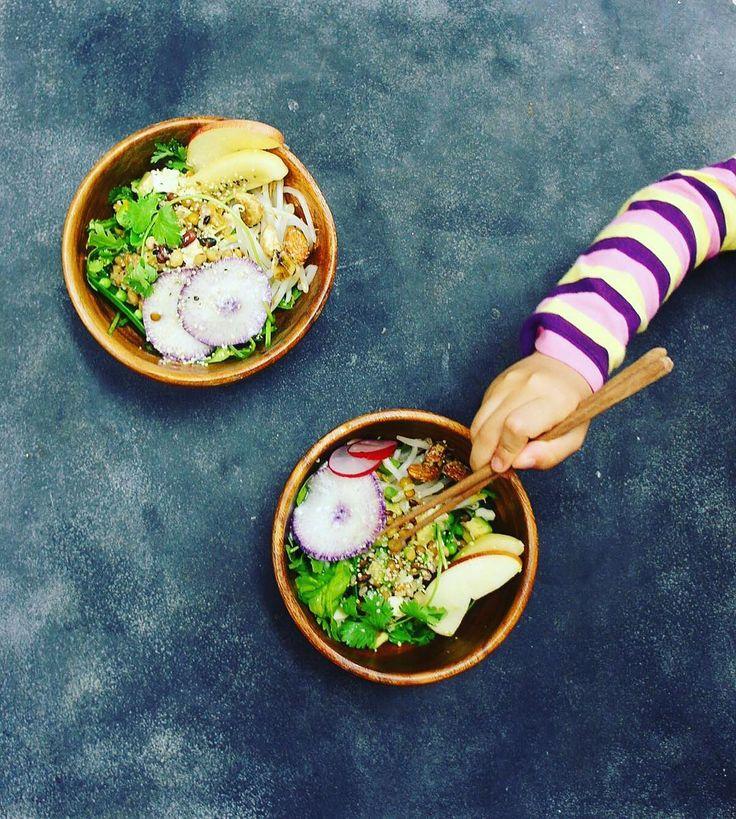 #salad #bowl #ボウル #サラダ #vegan #vegetable #ビーガン #アジア #発酵食品 沢山入れて  中には #ごはん がかくれてます 美味しい料理に出会えると幸せな気持ちになる すぐ試したい何が入っているんだろうもっとお料理上手になりたいと思ってしまう まさに #食いしん坊   新しいこと沢山学んだ週末楽しすぎた協力してくれた主人に心から感謝です #管理栄養士