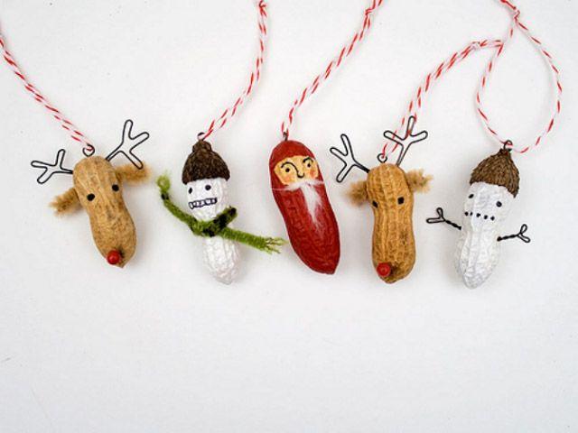 Cacahuetes decorados para la mesa de Navidad