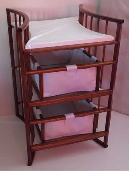 The Nuni Infinity Changing table is made from Salingna wood. It has 2 drawers to put al your baby's belongings in. Changing mat on top is included for changing your baby. Later you can remove the drawers and use it as book shelve etc. For more products please visit our website www.nuni.co.za or call us on 081 768 8124