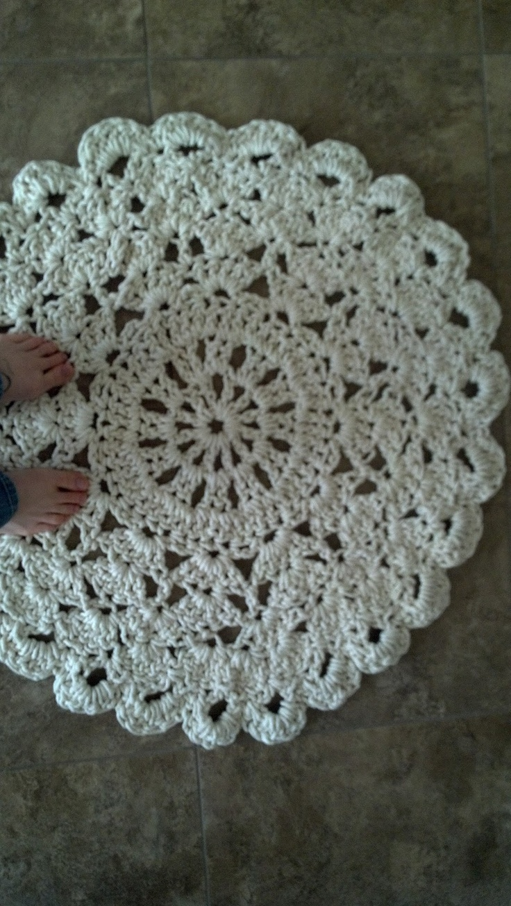 25+ best ideas about Crochet Doily Rug on Pinterest ...