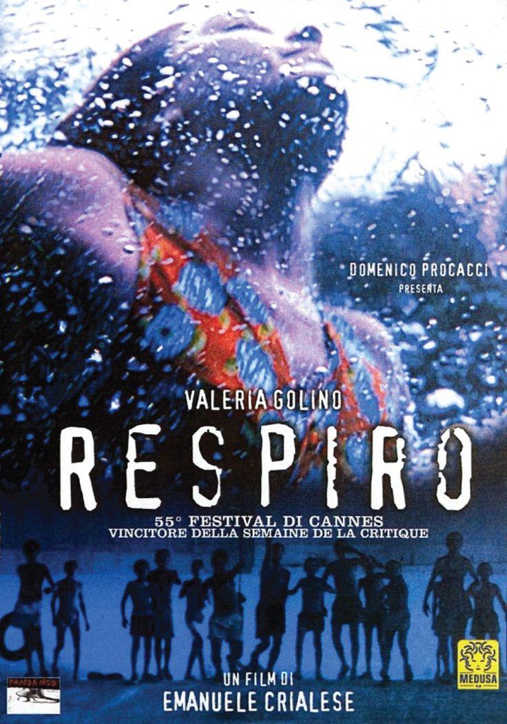 Respiro è un film è molto particolare ed emotivamente coinvolgente: non si tratta solo del ritratto di una comunità chiusa e semplice, ma anche della storia di una ribelle in un mondo con regole sociali precise, della rappresentazione di un modo di esprimere la propria identità nonostante (...)