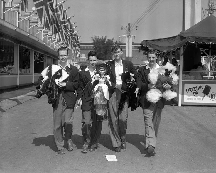 Wayback Wednesday | CNE Visitors and their midway prizes | 1959