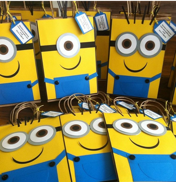 Minion candy bags, we have all you need for you next events.