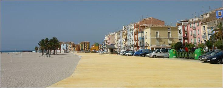 La Vila Joiosa  Vlakbij Calpe ... mooie kleurrijke huizen