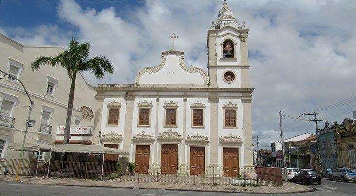Largo de Santa Cruz e suas histórias de ontem e de hoje