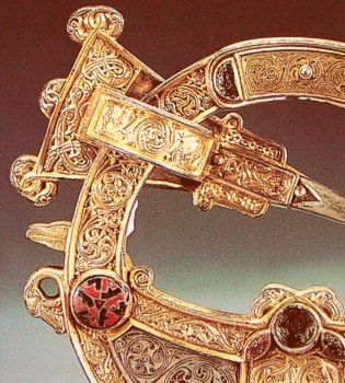 The Tara Brooch is a Celtic brooch of about 700 AD generally considered to be the most impressive of over 50 elaborate Irish brooches to have been discovered. It was found in 1850 and rapidly recognised as one of the most important works of early Christian Irish Insular art; Plenty of knotworked symbolisms it is now displayed in the National Museum of Ireland in Dublin. ♣ ॐ}*{ॐ