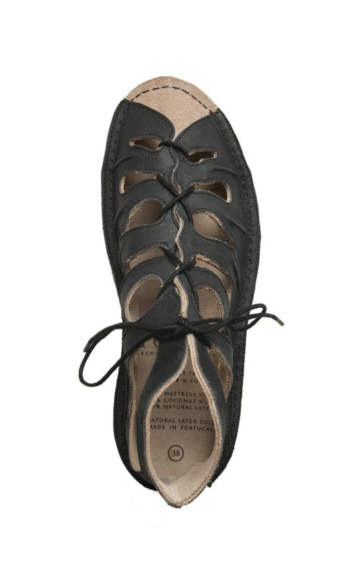 Po-Zu shoes, vegan and fair trade certified! #frendlyfashion #knowyourclothes