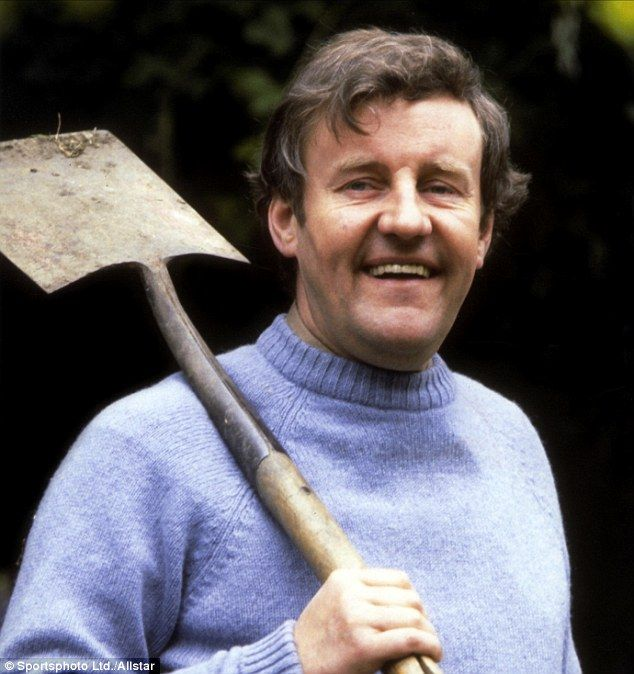 He had a Good Life: Tributes paid to 'a national treasure, a great actor and a wonderful man' as Richard Briers dies aged 79