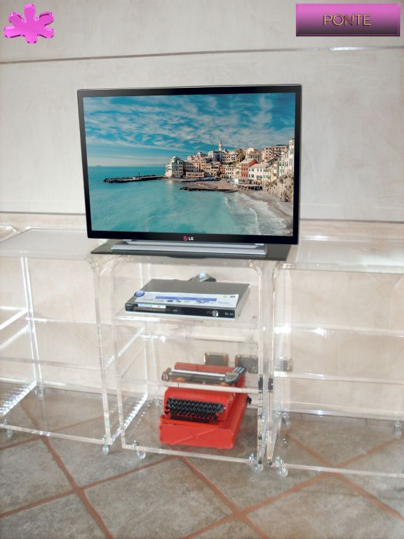 MOBILI TV IN PLEXIGLAS | 03.mobile trasparente in plexiglas per TV  mod.PONTE   | Porta TV plexiglass cm.60 x 45 h.90 - sp.mm..15