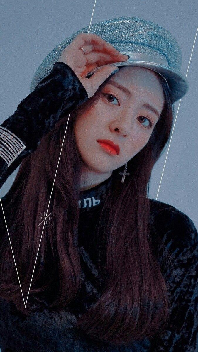 Yuna Wallpaper Itzywallpaper Itzy Yuna In 2019 Pretty