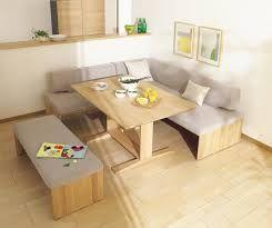 ソファーとダイニングテーブル